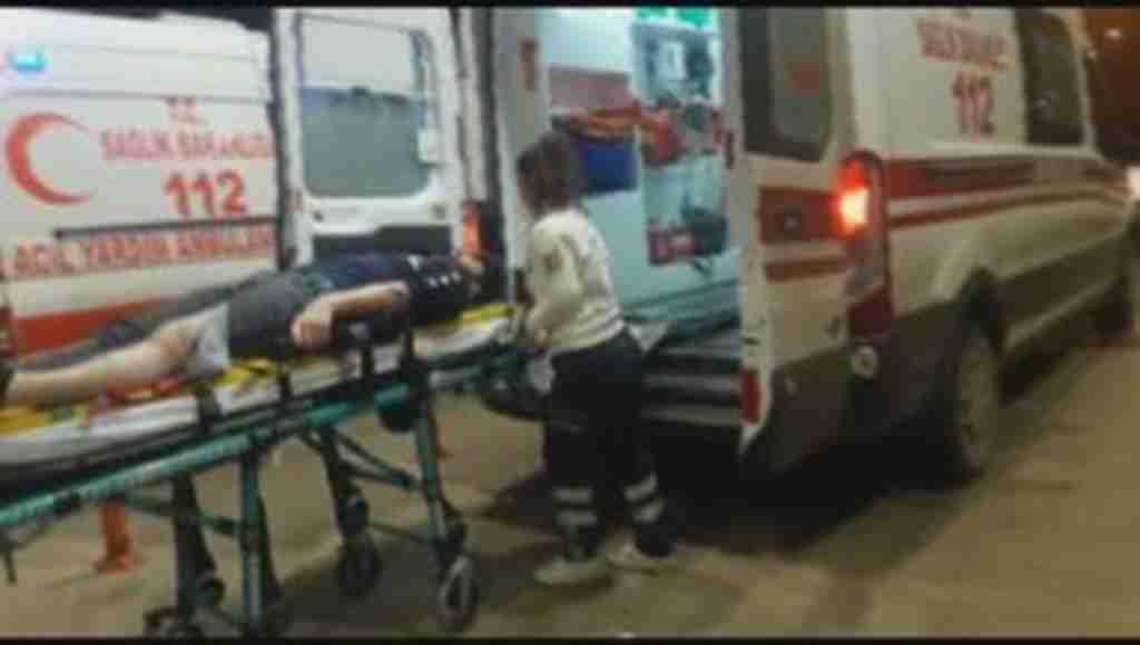 Bursa'da feci kaza 3 araç birbirine girdi: 1'i çocuk 5 yaralı