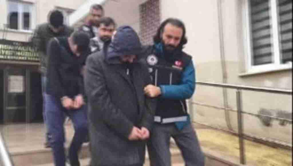 Bursa'da operasyon; uyuşturucu, tarihi sikke ve silah ele geçirildi - Bursa Haberleri