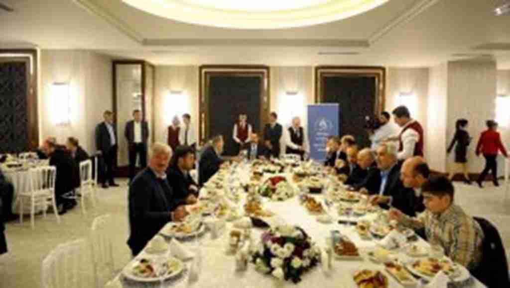 Bursa'da Sürmeneli iş adamları ve bürokratlar bir araya geldi - Bursa Haberleri