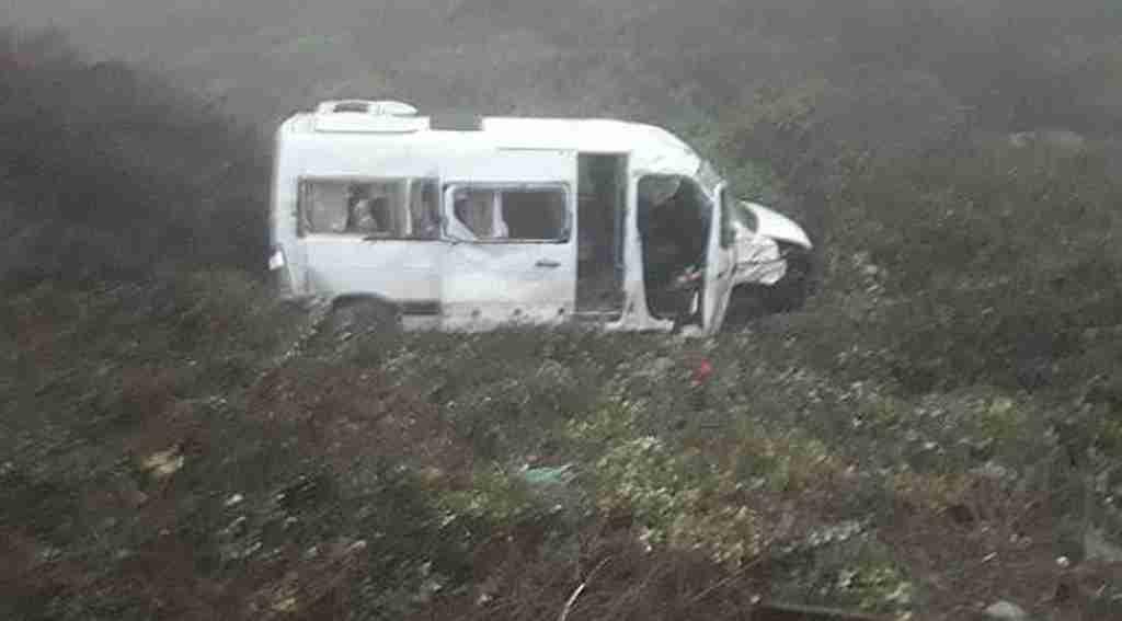 İşçi servisi şarampole yuvarlandı: 9 yaralı - Bursa Haberleri
