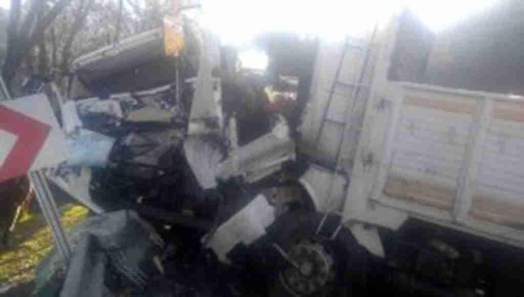 Isparta-Antalya karayolunda zincirleme trafik kazası: 2'si ağır 5 yaralı