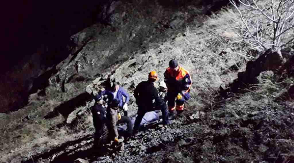 Karı-Koca'nın feci sonu! Seyir halindeki otomobille 150 metrelik uçuruma yuvarlandılar!