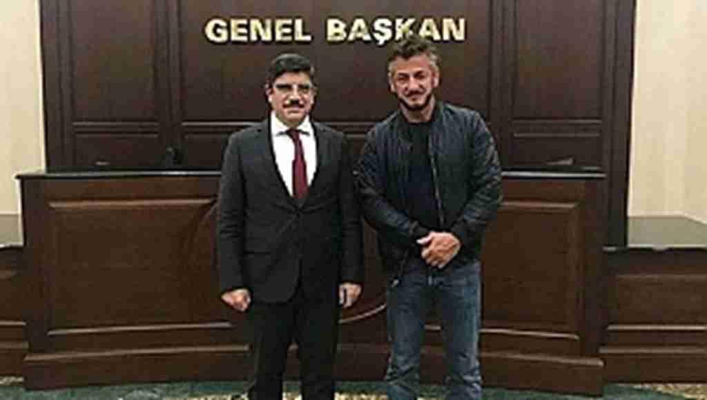 Oscar ödüllü oyuncudan AK Parti'ye sürpriz ziyaret