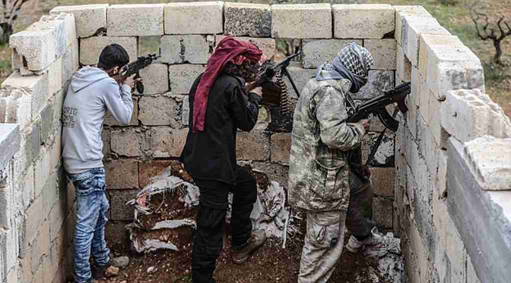 Suriye'de Fırat'ın doğusuna operasyon için ÖSO birlikleri elleri tetikte gelecek emri bekliyor