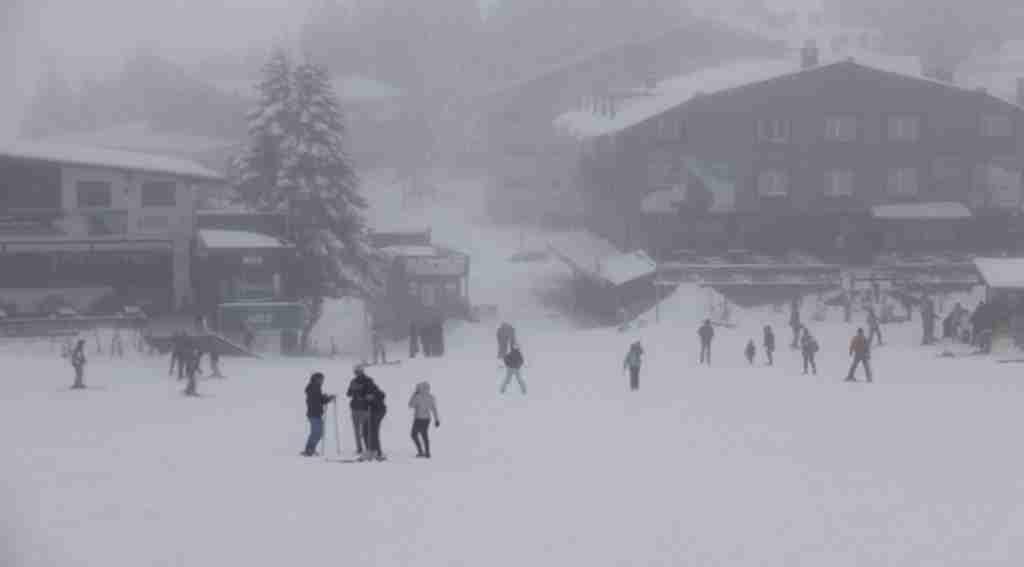 Uludağ'da kayak sezonu açıldı, vatandaşlar pistlere akın etti - Bursa Haberleri