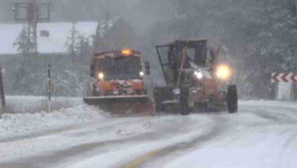 Uludağ yoğun kar ve tipiye teslim oldu - Bursa Haberleri