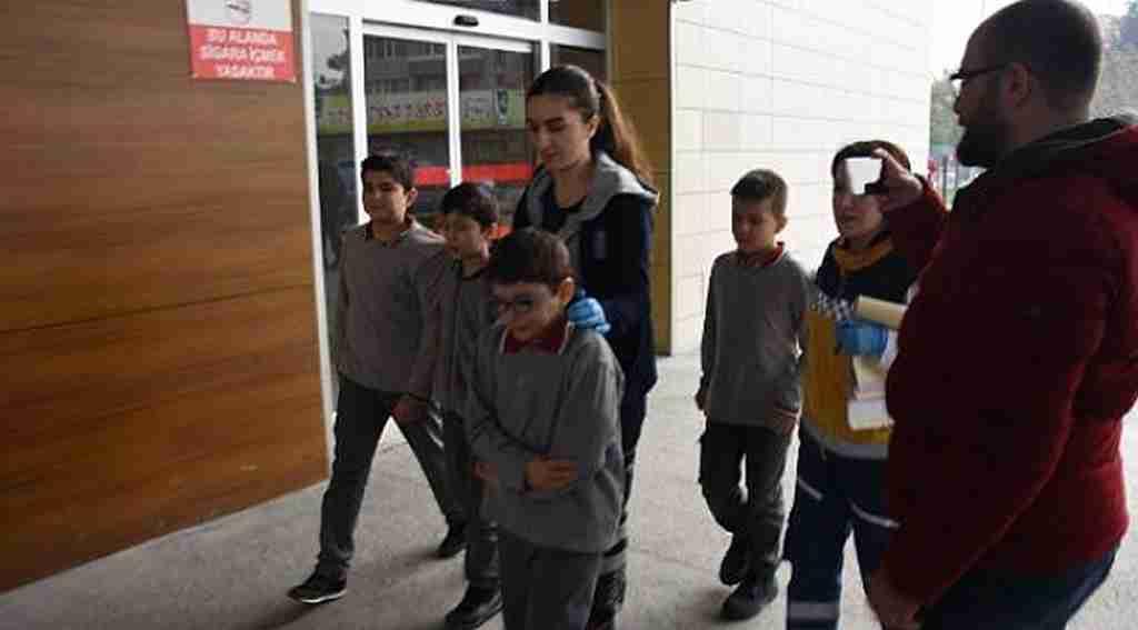 Yerli Malı Haftasında 14 öğrenci zehirlenerek hastanelik oldu - Bursa Haberleri