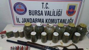 28 kilo esrarı gömdükleri yerden çıkartırken yakalandılar - Bursa Haber