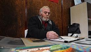 55 yaşındaki ressam 6 yıldır kışları barınma evinde geçiriyor - Bursa Haber