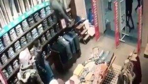 Akılalmaz soygun girişimi... Müşteriler şaşkına döndü
