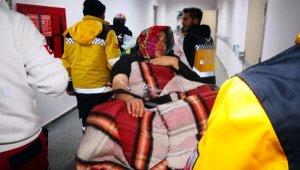 Aksaray'da yoğun kar yağışı nedeniyle anne adayı ambulansta doğum yaptı