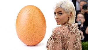 Beğeni rekoru kırarak ünlü modeli sollayan yumurtanın sırrı çözüldü
