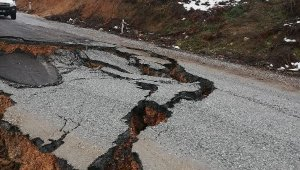 Bursa'da yol çöktü - Bursa Haber