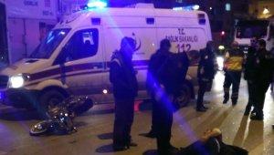 Çevre yolunda otomobil ile motosiklet çarpıştı: 2 yaralı - Bursa Haberleri