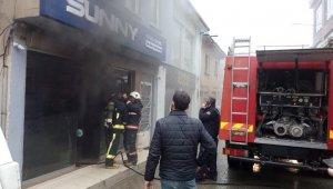 Elektronik tamirhanesinde yangın - Bursa Haber