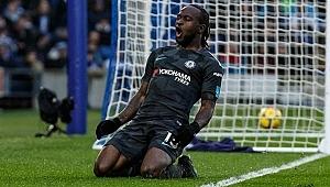 Fenerbahçe Chelsea'li yıldızı bitirdi