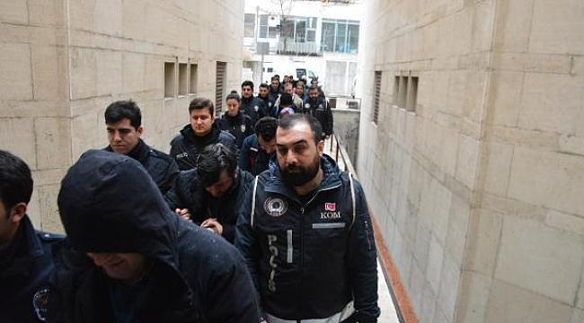 FETÖ'nün üniversitesine bağış yapan 14 iş insanı adliyede - Bursa Haber