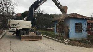 Gemlik'te metruk binalar yıkılıyor - Bursa Haberleri