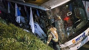 İstanbul'da Yolcu Otobüsü Devrildi! 2 Ölü ve Çok Sayıda Yaralılar Var