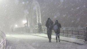 İstanbul'da kar yağışı etkisini göstermeye başladı!