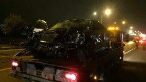 Kahramanmaraş'ta alkollü sürücü takla attı, şişeler arabanın içinden çıktı!
