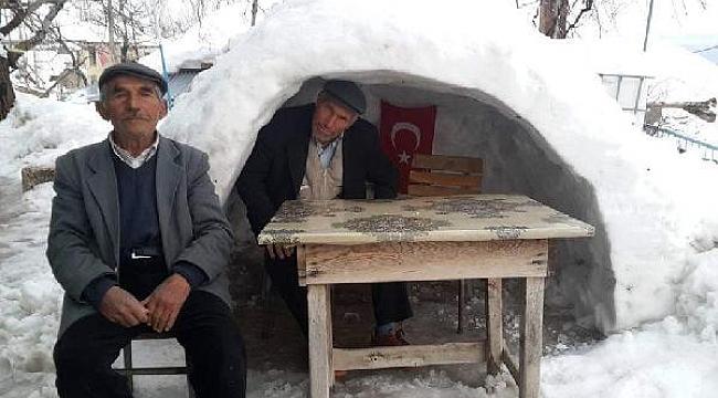 Kahveci kardeşler iglo yaptı