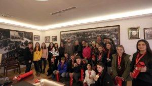 Makedon öğrenciler Adrenalin Park'ta kampa girdi - Bursa Haber