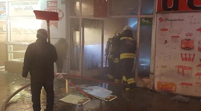 Pasajdaki yangında 10 iş yeri kullanılmaz hale geldi