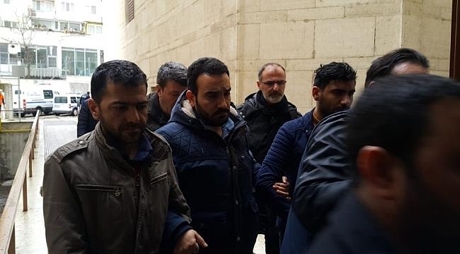 Sahte hakim savcılar mahkemeye çıkarıldı - Bursa Haber