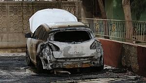 Şanlıurfa'da 2 otomobil kundaklandı