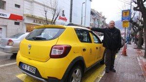 Takside unutulan 46 bin TL'yi sahibine teslim etti - Bursa Haber