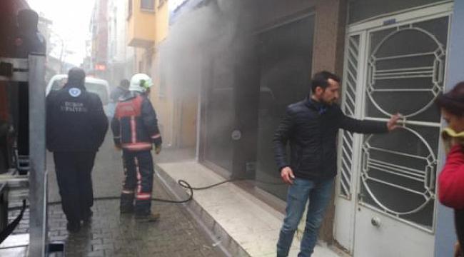 Tamir ettiği tablet patlayan tamircinin şimdi de dükkanı yandı - Bursa Haber