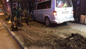 Trafik polisine vurmaya çalışan alkollü sürücüyü, vatandaşlar linç etmek istedi - Bursa Haber