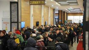 Uludağ'dan dönmek isteyen 2 bin kişi, 'teleferik' kuyruğuna girdi - Bursa Haber