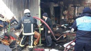 Yangını fark eden zabıta mahsur kalan kız çocuğunu kurtardı - Bursa Haber