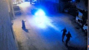 4 yaşındaki çocuk babasının elinden kaçınca otomobilin altında kaldı - Bursa Haberleri