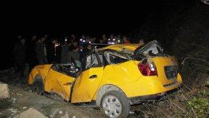 50 metre yükseklikten sahile uçan taksinin sürücüsü hayatını kaybetti