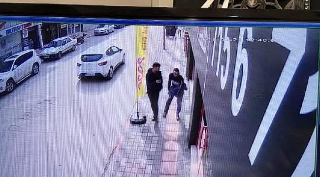 Bacağından bıçaklandı, kemerle turnike yaptı - Bursa Haberleri