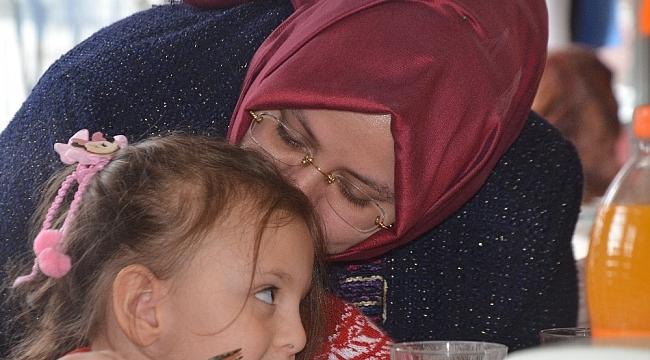 Bakan Selçuk, Bursa'da şehit aileleriyle bir araya geldi - Bursa Haberleri