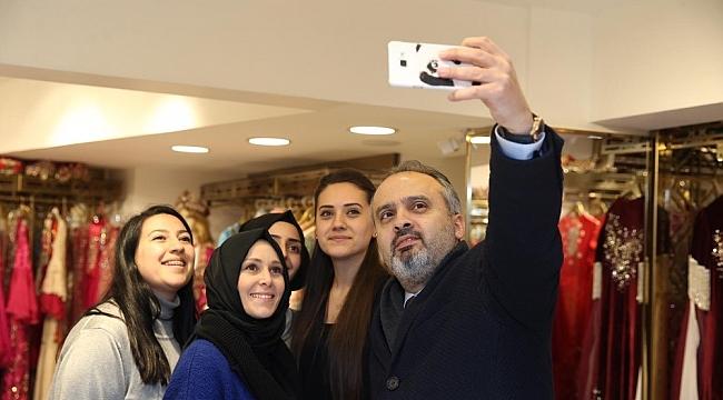 Başkan Aktaş'a esnaftan yoğun ilgi - Bursa Haberleri