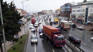 Büyükçekmece'de zincirleme kaza : 2 yaralı