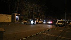 Devriye gezen polis ekiplerine silahlı saldırı... 1'i ağır 2 polis yaralı