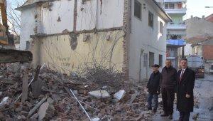 Eski binalar yıkılıyor, Gemlik nefes alıyor - Bursa Haberleri