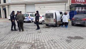 Eyüpsultan'da AVM önünde silahlı saldırı
