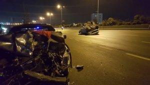 İstanbul'da asker uğurlamasından dönen araç takla attı! 2'si çocuk 5 yaralı!