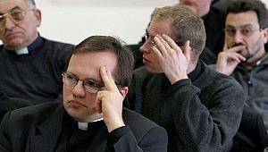 İtalya'da Eğitim Bakanlığı şeytan çıkarma kursu verecek