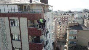 Kartal'da çöken binanın enkaz kaldırma çalışmaları sona erdi