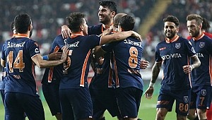 Lider Başakşehir, Antalyaspor'u mağlup etti