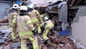 Kartal'da patlama sonrası 7 katlı çöktü... 1 kişi hayatını kaybetti