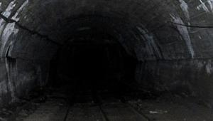 Milas'ta maden ocağında göçük... 3 işçi göçük altında...